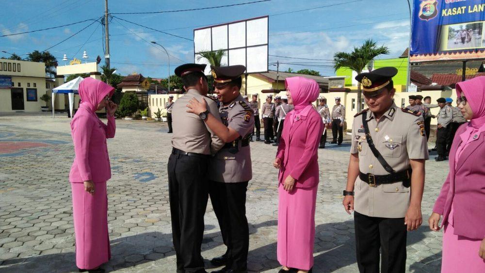 Photo of Kapolres Lampung Selatan Pimpin Sertijab Kasatlantas baru