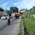 Satlantas Polres Lampung Selatan Bersihkan Jalur Penyelamat