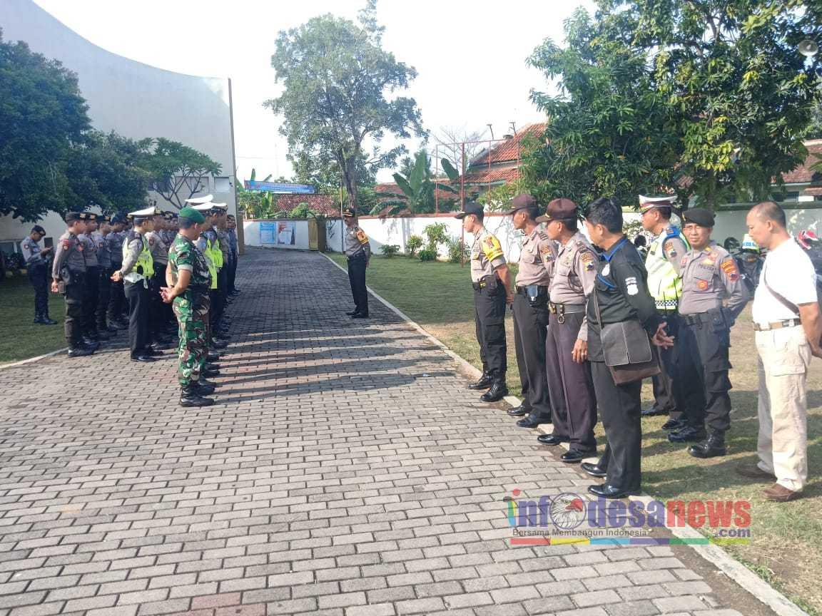 Photo of 60 Personil Gabungan Mengamankan  Jalanya Perayaan Natal