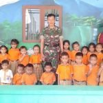 Siswa TK Pertiwi Desa Ngastorejo Idolakan TNI