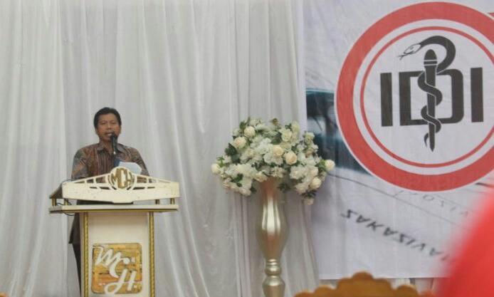 Photo of Tingkatkan Kemampuan 300 Dokter, IDI Luwu Raya Gelar Seminar dan Jambore