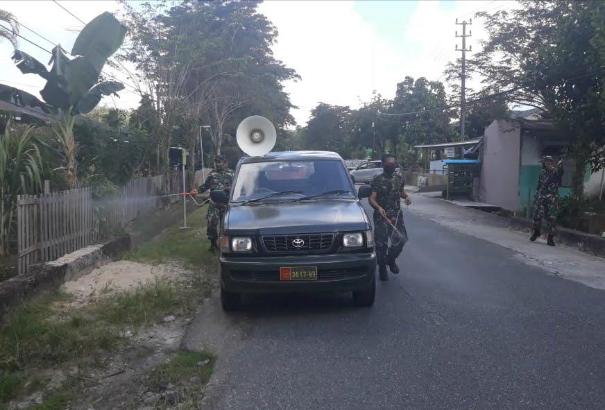 Photo of Cegah Covid 19,Kodim 0907/Trk Rutin Sterilkan Kantor Dan Asrama.