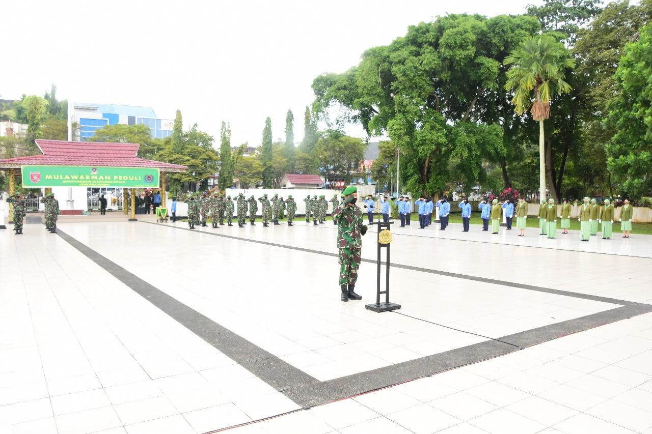 Photo of HUT Kodam VI Mulawarman ke-62, Korem 091/ASN Ziarah ke Taman Makam Pahlawan Kesuma Bangsa