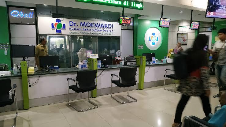 """Photo of Cahyo Hadi (Direktur RSUD dr Moewardi) ; """"Ratusan Karyawan RSUD Terdeteksi Terinfeksi Covid 19, Pelayanan Umum Tetap Berjalan"""""""