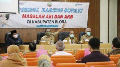 Photo of Tekan Pernikahan Dini, Dinkes Mengadakan Ngobrol Bareng Bupati