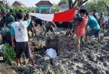 Photo of Pemakaman Anggota Kopassus Gugur di Papua Oleh Kodim 0716/Demak