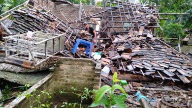 Photo of Rumah Milik Pedagang Nasi Uduk Keliling Warga Desa Sering Jaha Ambruk