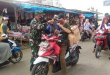Photo of Serbuan Babinsa Tertipkan Protokol Kesehatan Diwilayah Lamsel Dan Pesawaran
