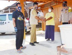 Warga Desa Tempuran Yang Melaksanakan Isman Dapat Bantuan Sembako